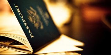 http://agungprasetyo.net/artikel/panduan-mengurus-paspor-secara-online-di-kanim-kelas-i-khusus-surabaya